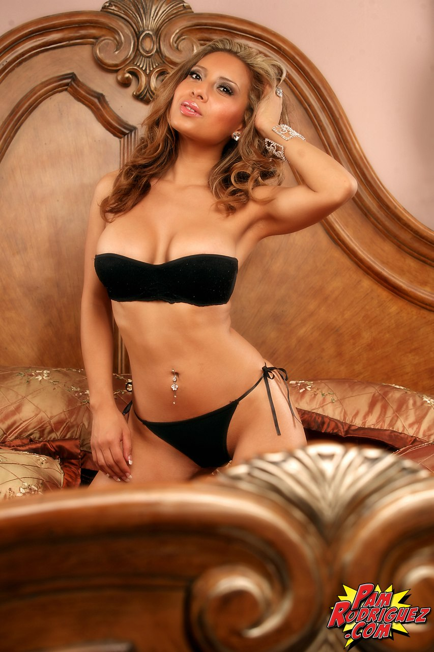 pam rodriguez makes any bikini look good this girl has the best latina