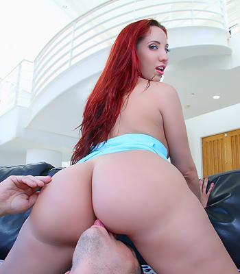 Kelly Divine Ass Licking